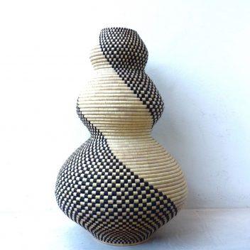 Giraffe 'indlulamithi' basket