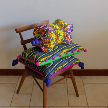 Moyo Cushions and head rest