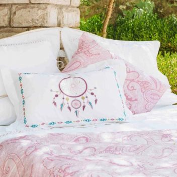 Lilly Linen